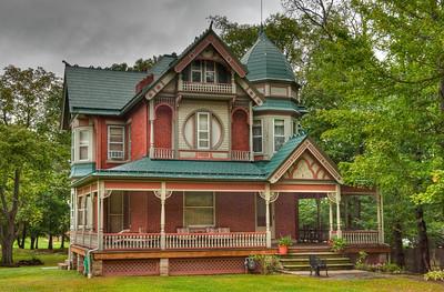 Dreamhouse, somewhere between Niagara Falls and Titusville
