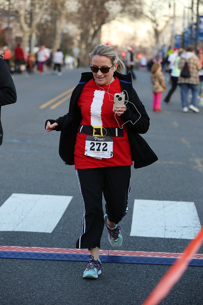 Toms River Police Jingle Bell Race 2015 - 01215.JPG