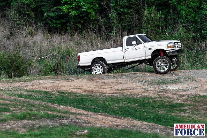 SDP-Kreg-O'Hara-White-1997-Ford-F250-24x12-Legend-@streetdieselperformance-170429-DSC05892-52.jpg