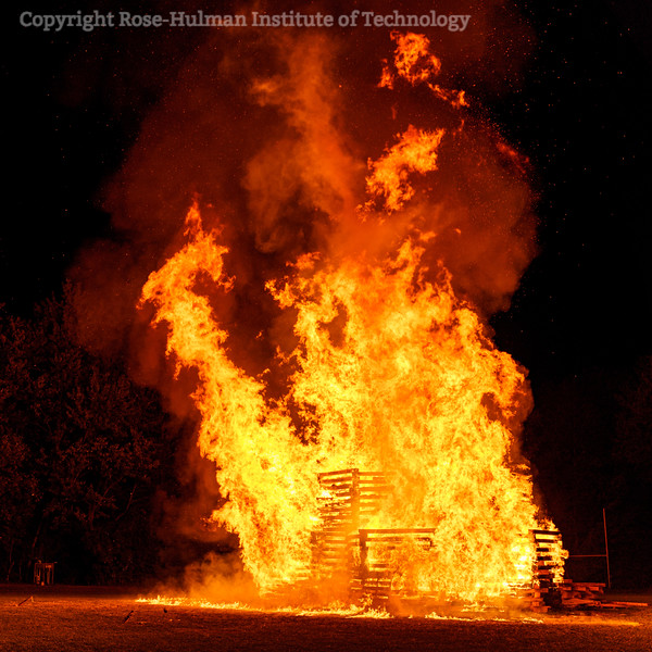 RHIT_Homecoming_2019_Bonfire-7401.jpg