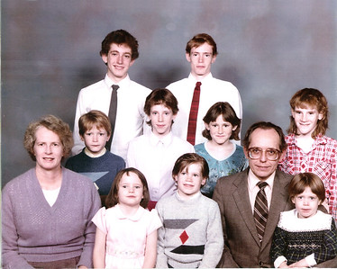 Summers family entire family (or most of) photos