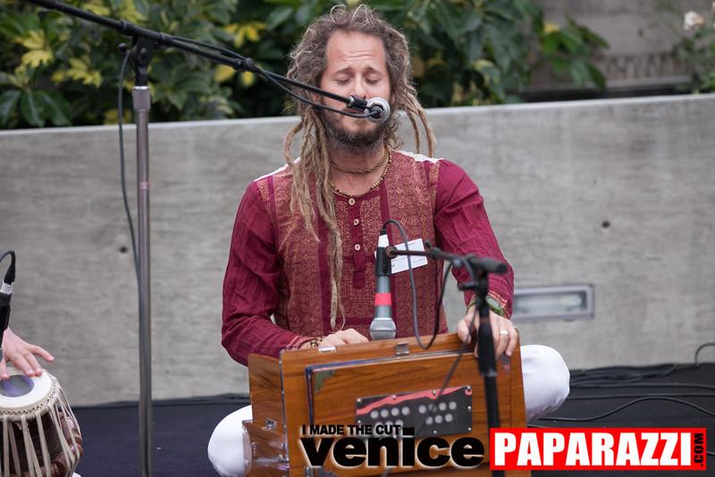 VenicePaparazzi-130.jpg