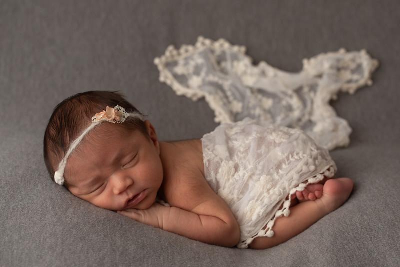 Baby Victoria-40.jpg