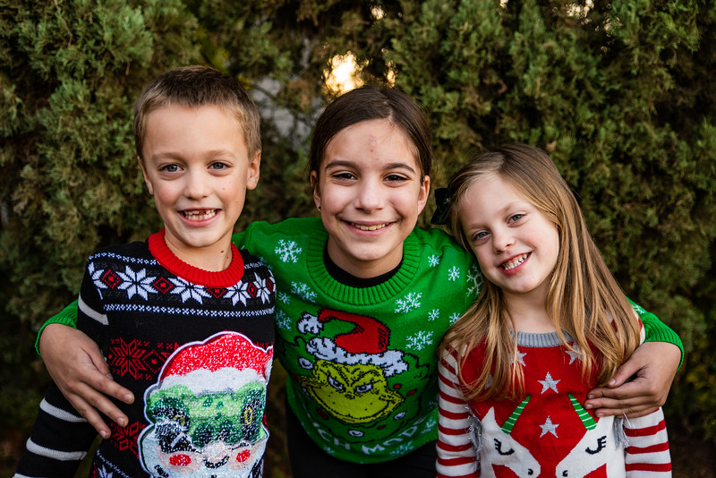 Christmas Sweater Cousins 2020-6810.jpg