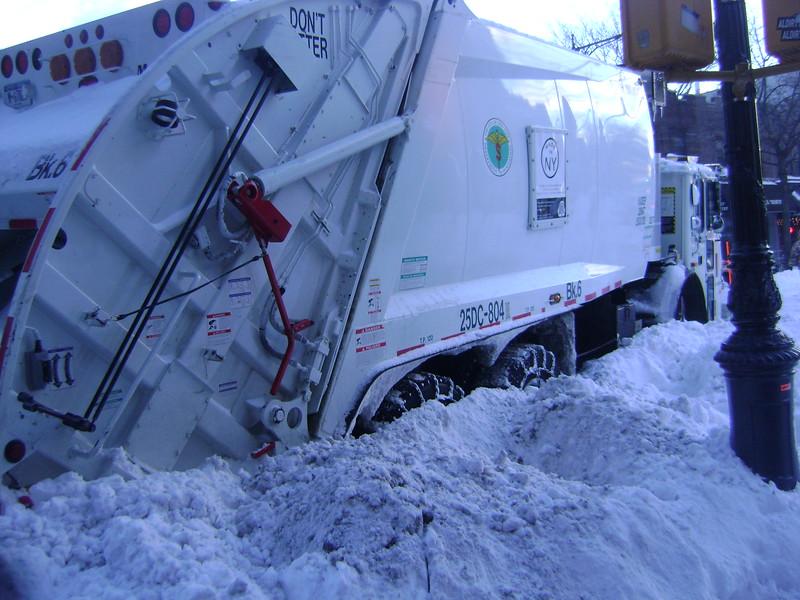 stuck snow plow on 5th.JPG