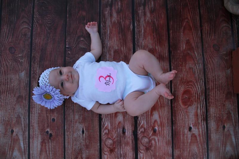 Evie-3 months (152).JPG