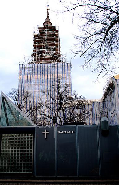 Street Chapel with a tower of magnitude - or....? Oslo. ********** Gatekapell med tårn av en annen verden - eller...? Oslo. (Foto: Geir)