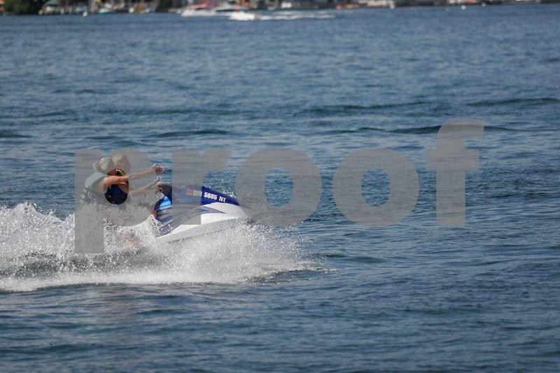 Jet skiers1482.jpg