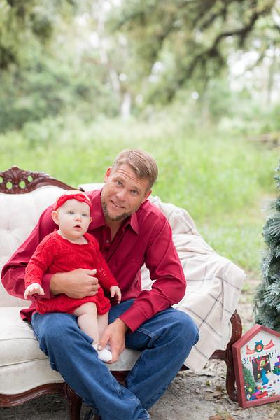 Holiday Minis- Heliin Family-13.jpg