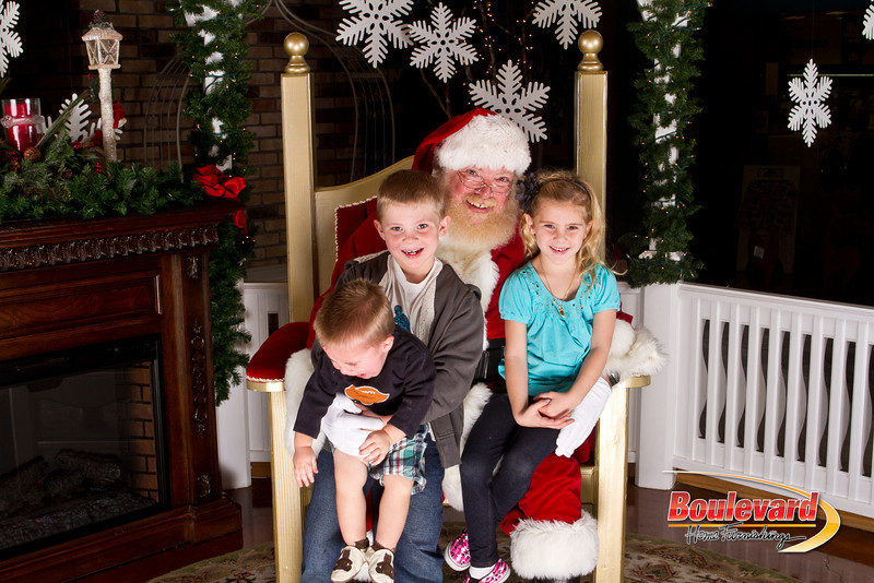 Santa Dec 15-48.jpg