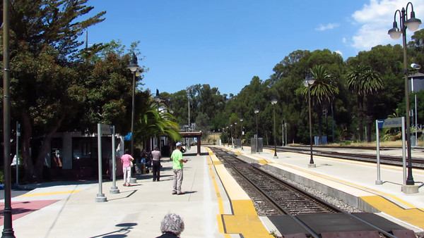 Coast Starlight Arrives SLO On Train Day Vid
