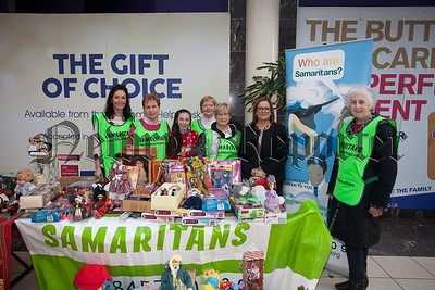 Lorna Loughran (pictured 2nd from left) is pictured with staff from the Samaritians who held a sale of items donated by an anoynonmous donor in the Buttercrane shopping centre. R1551010