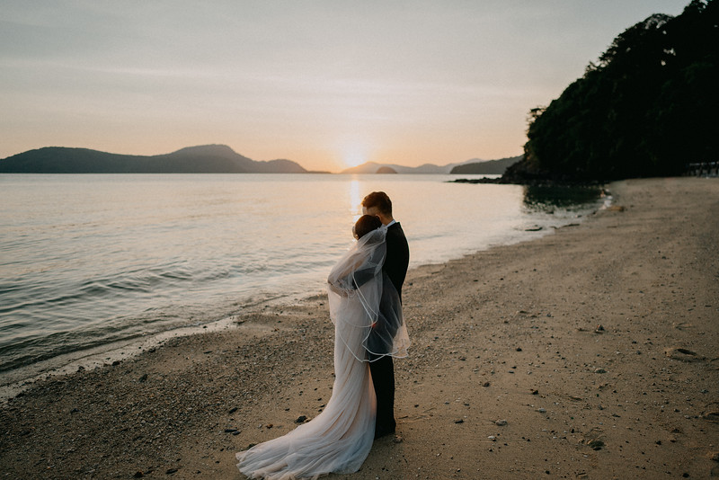 L&W | Intimate Wedding at Amatara Phuket