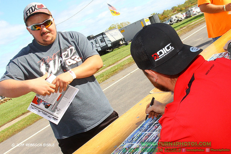 autograph session 6.jpg