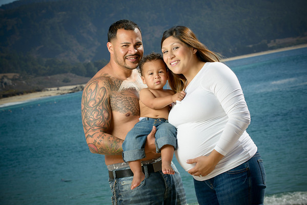 Tanya & Guillermo (Maternity / Family Photography) @ Carmel River State Beach