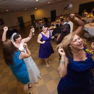 S+R 04 Tosses Cake Dancing