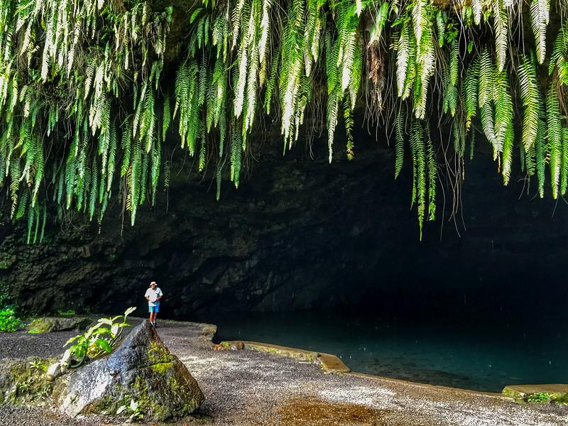Maraa Grotto, Tahiti