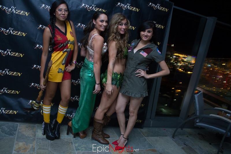 103013 Halloween Suite Party-6873.jpg