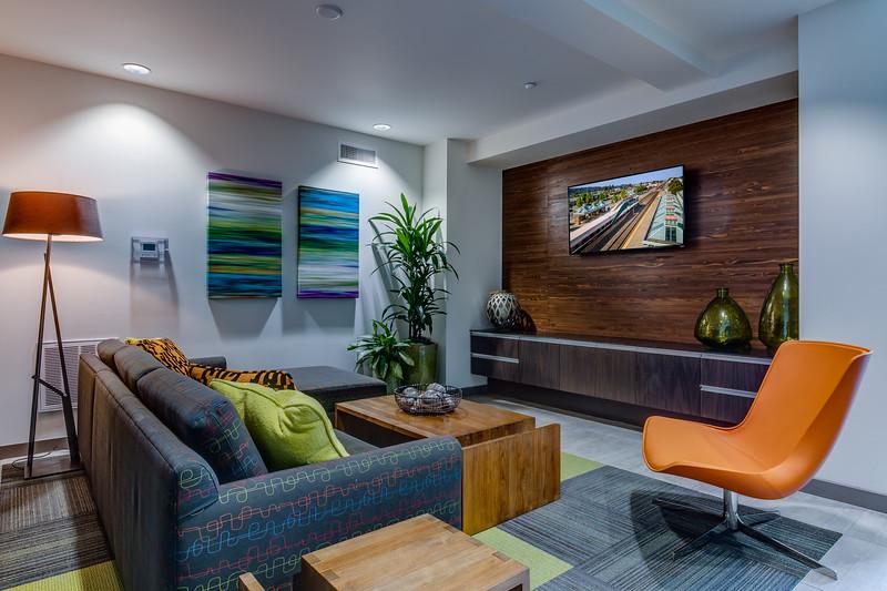 Lounge-IMG_1230_enf.jpg