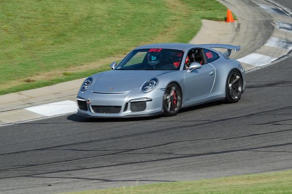 DR 913 Gray Porsche