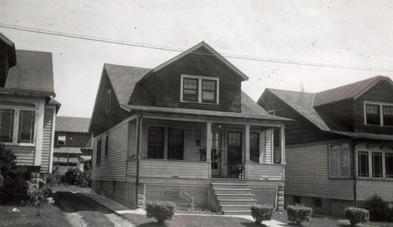 1029 ADAMS AVE 1930.jpg