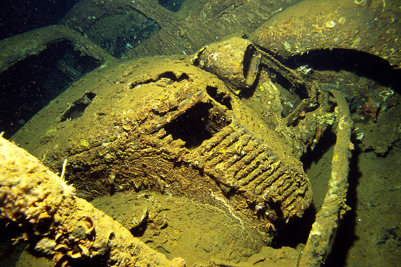 Wrack der Umbria, Laderaum, Fiat 1100 Lunga, Rotes Meer, Sudan / Wreck of the Umbria, Fiat 1100 Lunga, Red Sea, Sudan