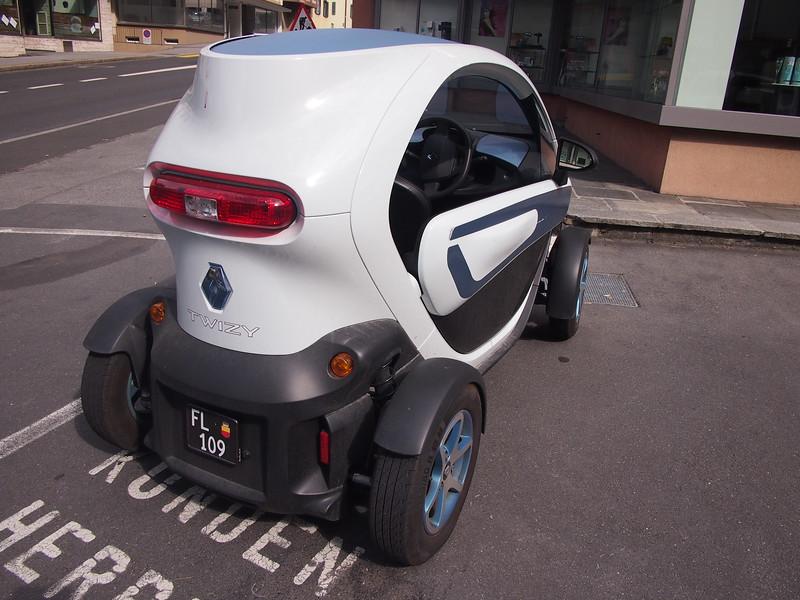 P7144709-smart-mini-car.JPG