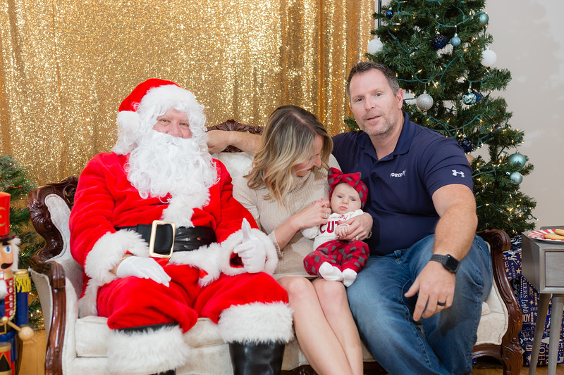 FADS Picture with Santa-310.jpg
