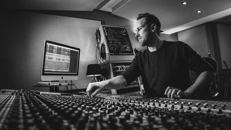 Tom Bish Studio 2019-8.jpg