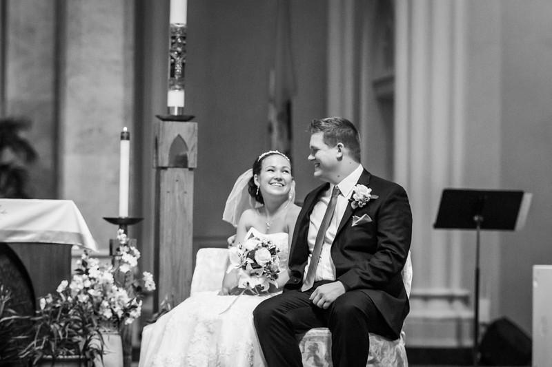 Jennie & EJ Wedding_00255-BW.jpg