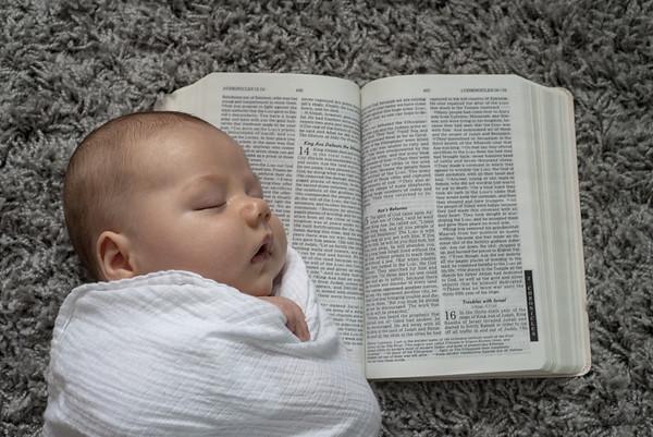 Williamsport Newborn Photographer : 9/12/18 Asa