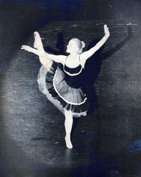 Dance_0861_a.jpg