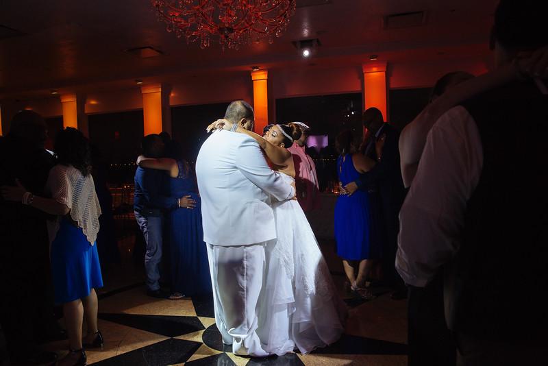 MER__1325_tonya_josh_new jerrsey wedding photography.jpg