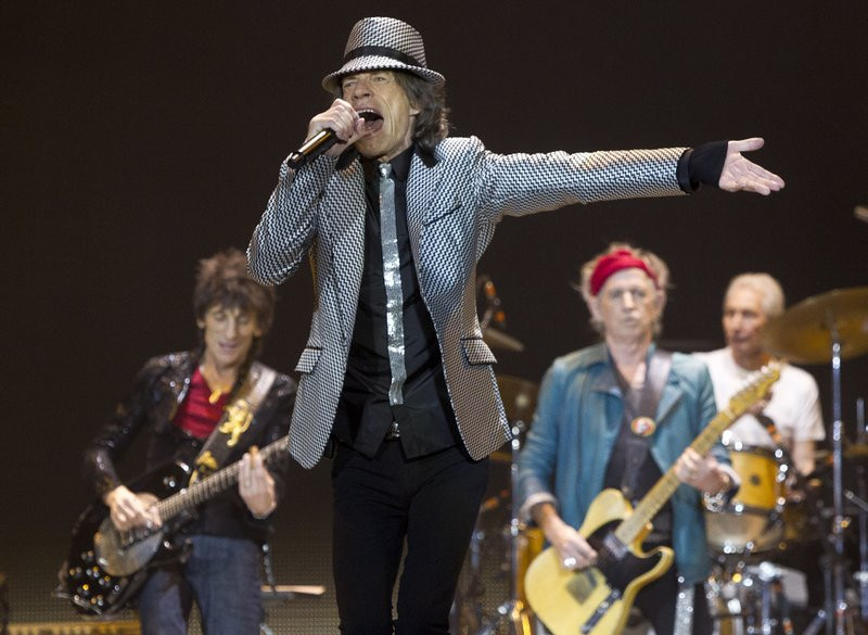 """. <p><b> Fans of the Rolling Stones were no doubt shocked by the news that Mick Jagger was � </b> <p> A. Becoming a great grandfather  <p> B. Becoming a great great grandfather  <p> C. Dating a schoolmate of his great granddaughter  <p><b><a href=\'http://www.dailymail.co.uk/tvshowbiz/article-2428953/Sir-Mick-Jagger-great-grandfather-time.html\' target=\""""_blank\"""">HUH?</a></b> <p>    (Joel Ryan/Invision/AP)"""