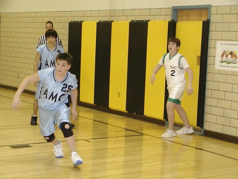 2004-02-07-GOYA-Holy-Cross-Tournament_018.jpg