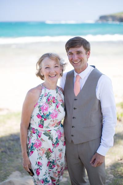 gillin beach kauai wedding-23.jpg