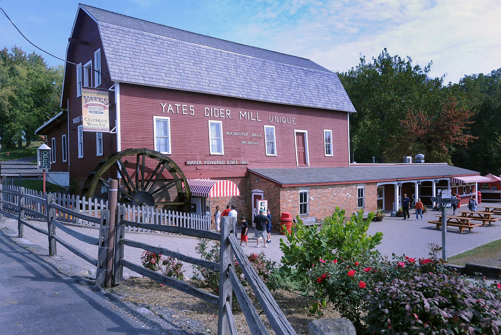 . Yates Cider Mill. (The Macomb Daily/DAVID DALTON)