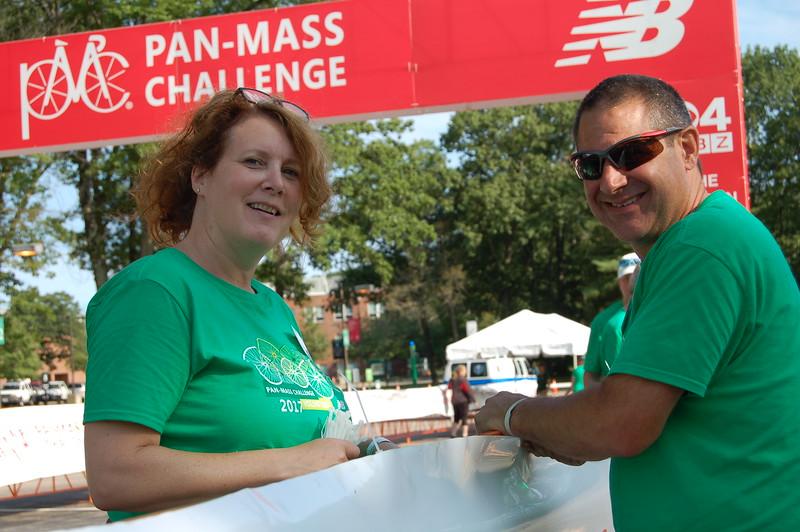 Sun-Wellesley-Volunteer-Talking-CK0101.jpg.jpg