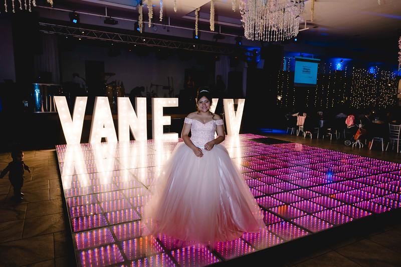 XV Vanessa-141.jpg
