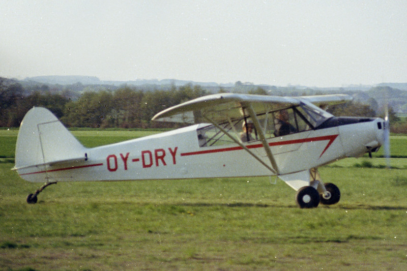 OY-DRY-PiperPA-18-95SuperCub-Private-Fredericia-1972-N09-09-KBVPCollection.jpg