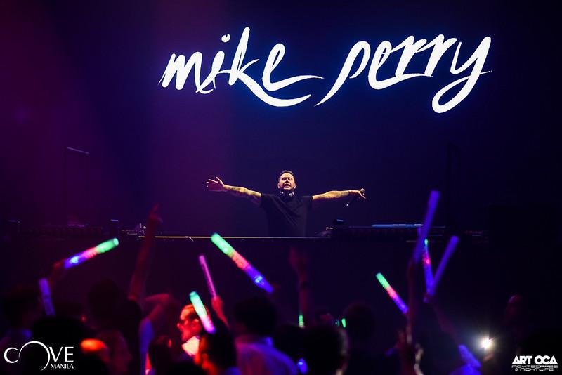 Mike Perry at Cove Manila Nov 29, 2019 (33).jpg