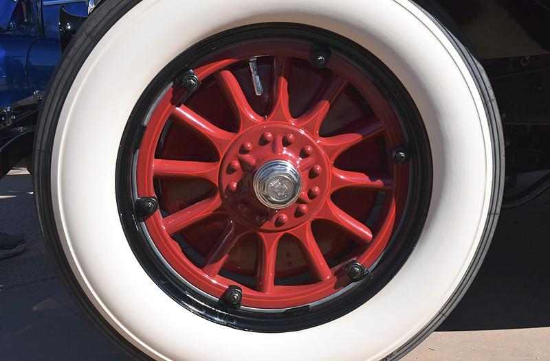 Cadillac 1926 Victoria Coupe wheel.JPG