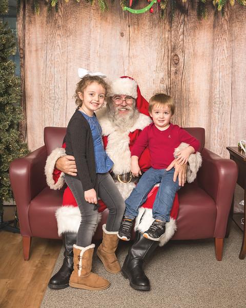 Ameriprise-Santa-Visit-181202-4904.jpg