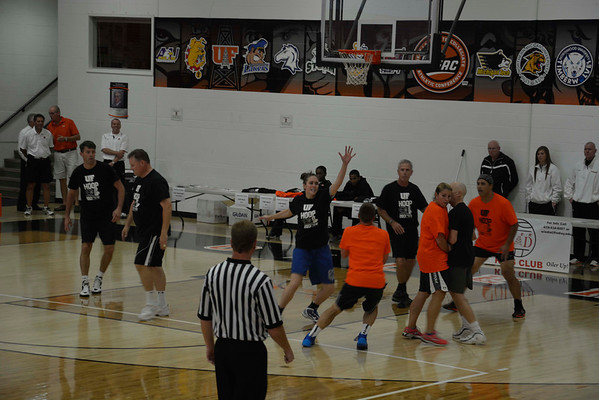 Basketball Hoop it Up with United Way