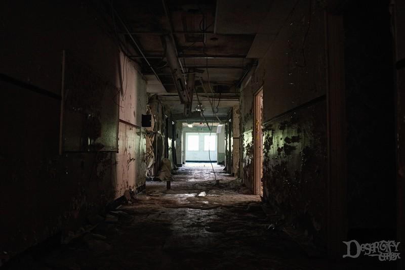 hallway 1 v2.jpg