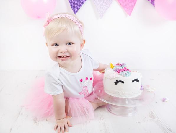 Olivia cake smash