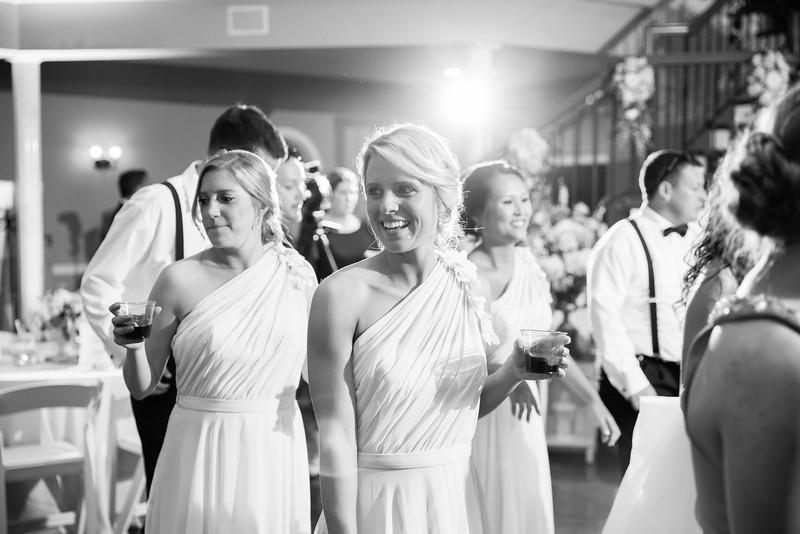 1041_Josh+Lindsey_WeddingBW.jpg