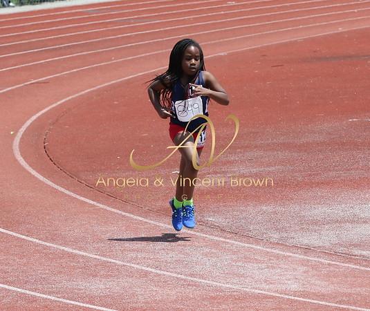 Dev3: 9-10 Girls 800m