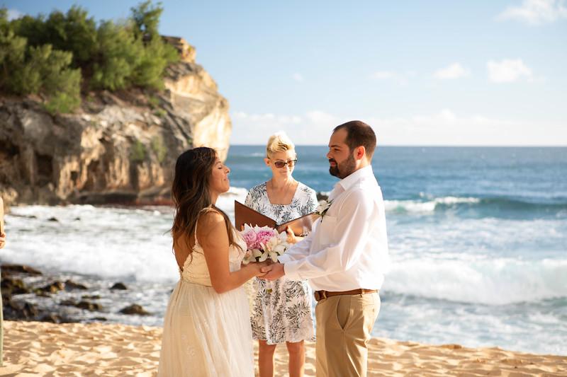 kauai wedding on shipwrecks-17.jpg