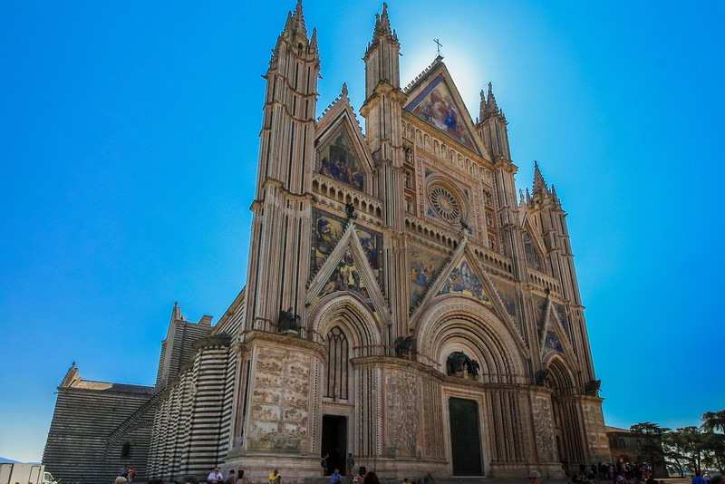 Orvieto Cathedral took 317 years to build! The next photo yields some clues why.